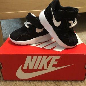 Nike Kaishi - size 2C